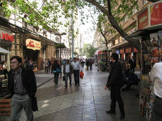 Santiago, Chili: Einkaufsstraße in der City