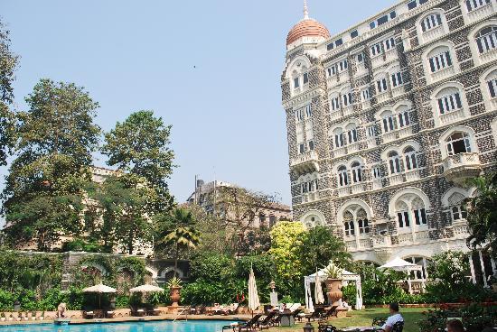 The Taj Mahal Palace: Aquarius Cafe and Pool