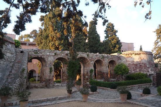 Hotel Castillo de Santa Catalina: Garten