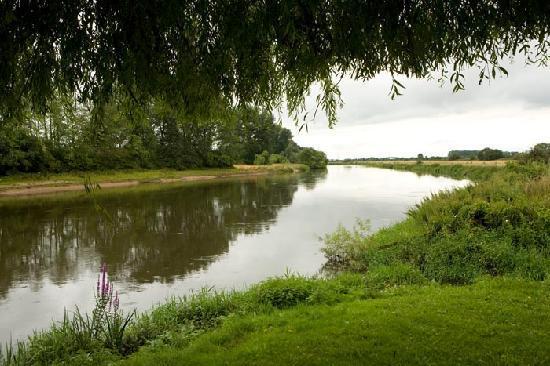 Riverside Hotel: River