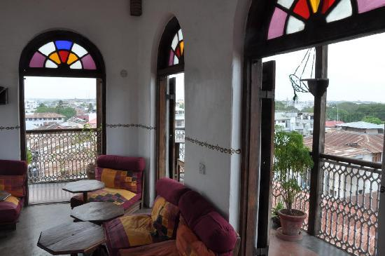 Zanzibar Coffee House: Rooftop terrace (great place to relax after hot Stone Town walk)
