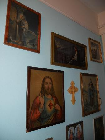 The Gables Inn : The Wall of Jesus
