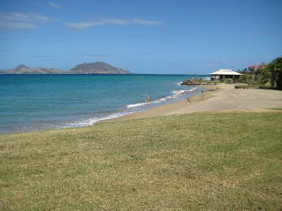 Charlestown, île de Nevis : The beach