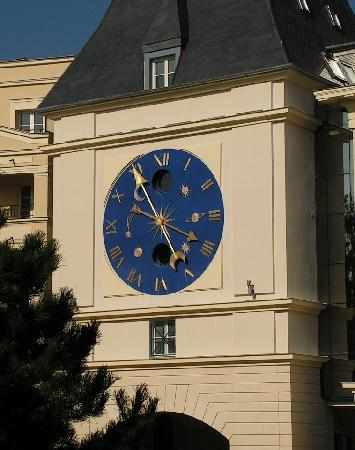 Le Plessis-Robinson, Frankrike: L'horloge