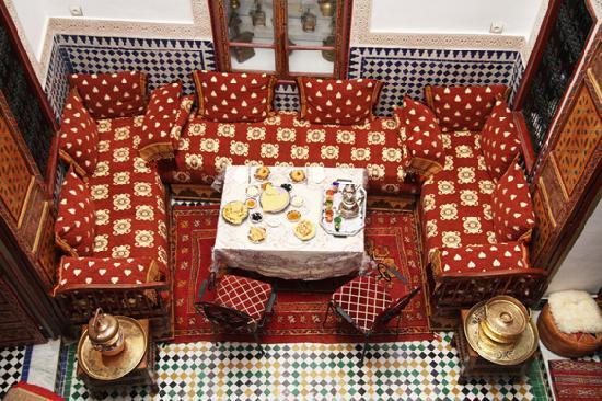 Dar Hafsa : gathering space