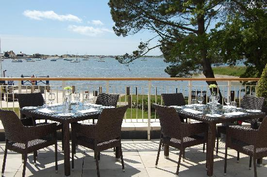 Christchurch Harbour Hotel & Spa: Terrace