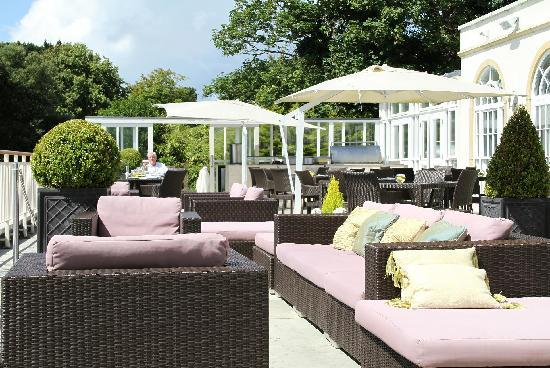 Christchurch Harbour Hotel & Spa: Sun Terrace