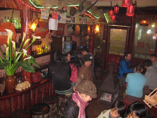 Mountain Bar & Pub: Terrific bar to chill out