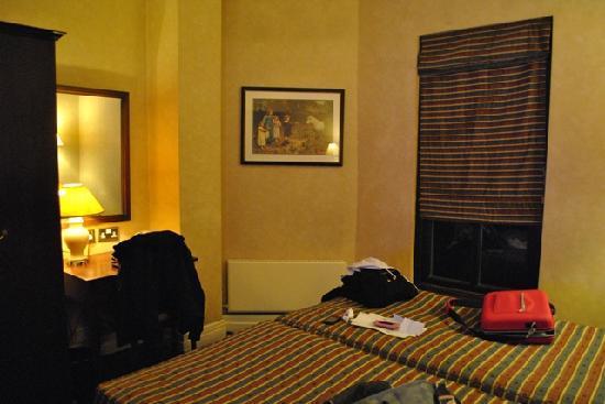 Cheshire Hotel: camera - room