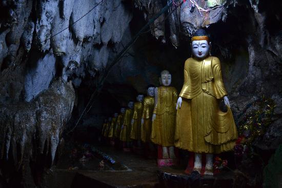Eastern Paradise Hotel : Buddhas, cave temple near Kalaw