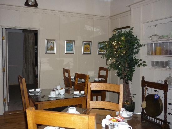 The Groveside Guest House: Breakfast Room