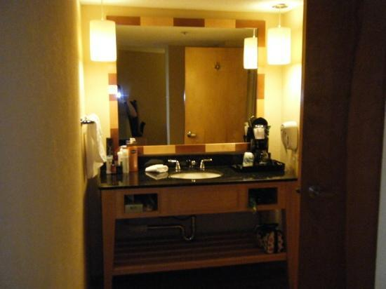 La Quinta Inn & Suites Sarasota: bathroom