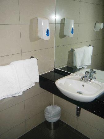 Jacobs Inn Hostel : Bathroom