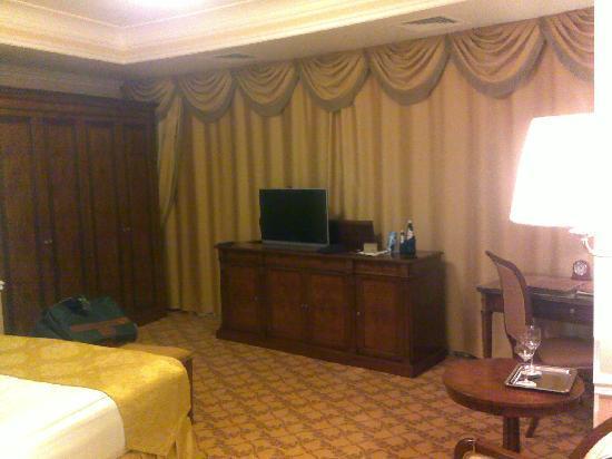 Nobil Luxury Boutique Hotel: Chambre vue de l'entrée
