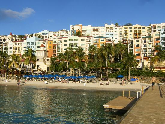 Marriott's Frenchman's Cove: View of the resort/dock