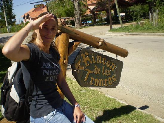 Rincon de los Troncos: Afuera esperando para ir a hacer parapente