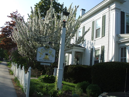 123 North Main Bed & Breakfast: Spring is on the way