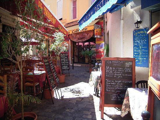 Aix-en-Provence, France: 旧市街のレストラン
