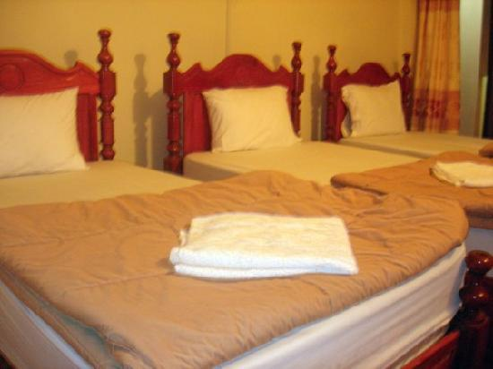 Popular View Guesthouse: Triple room
