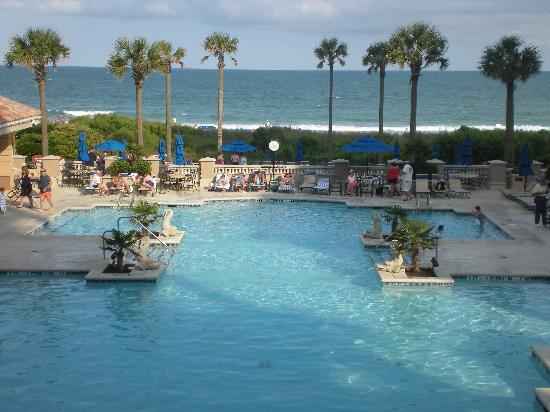 Marriott's OceanWatch Villas at Grande Dunes: Oceanfront Pool