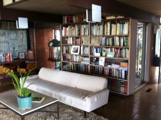 Hortense Miller Garden: Hortense Miller Living Room