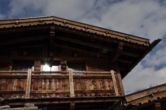 Grünwald Resort Sölden: Blick von der Terrasse auf das Haus