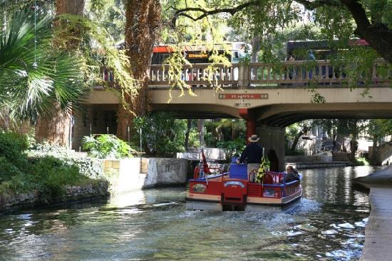 BEST WESTERN PLUS Sunset Suites-Riverwalk: Riverwalk wenige Hundert Meter entfernt