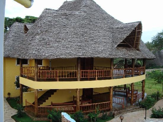 Double Heart Resort : Aerial view of the suites