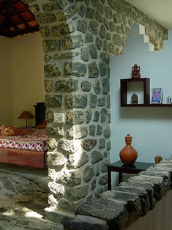 Paradise Gardens Beach Resort & Ayurveda : our bedroom at paradise gardens
