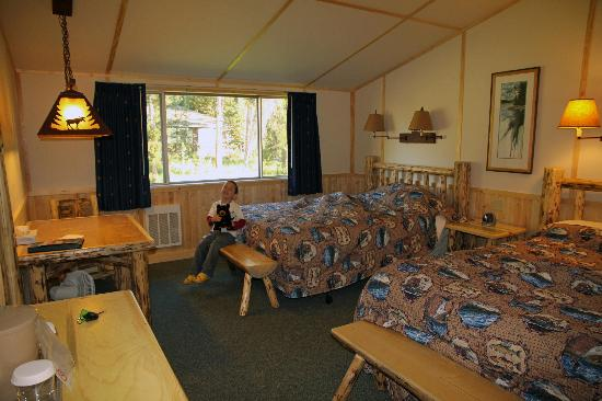 Lake Lodge Cabins: Western Cabin Interior
