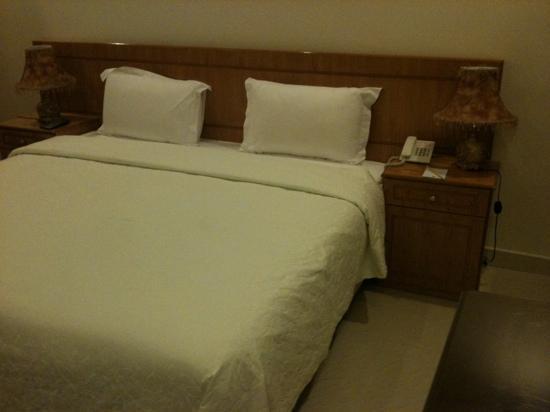 Brzeen Hotel : Bed