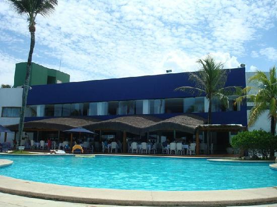 Arraial D'Ajuda Eco Resort: Piscina e Restaurante