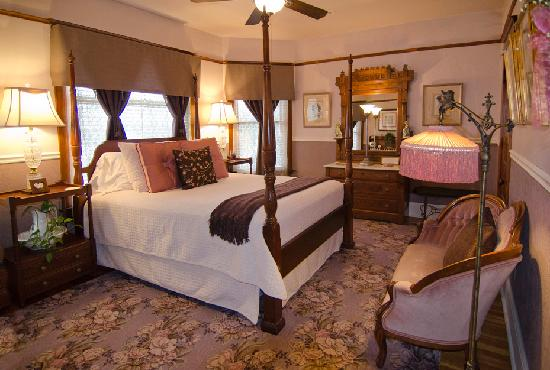 Port Washington Inn: Grace's Suite