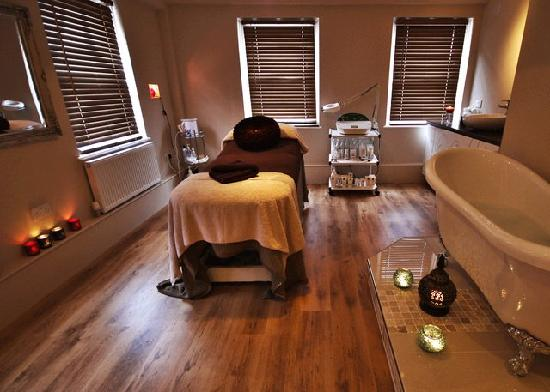 De Lacy Spa: One of the treatment rooms