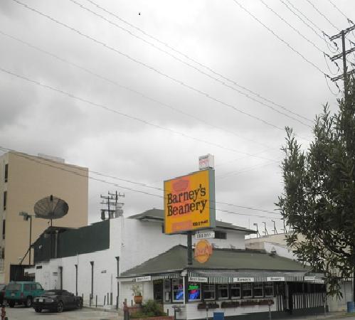 Alta Cienega Motel: Barney's! Practically next door