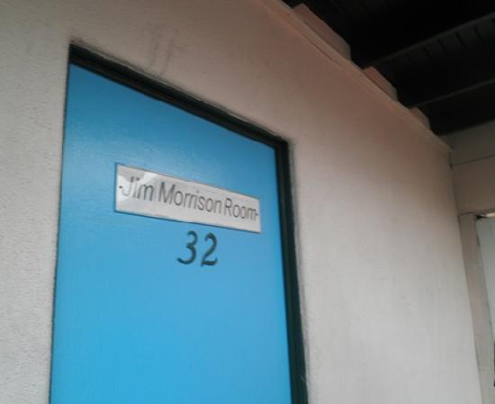 Alta Cienega Motel: Classy signage leads you there ;)