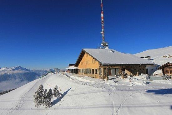 Berghaus Niederhorn: The Mountain Lodge