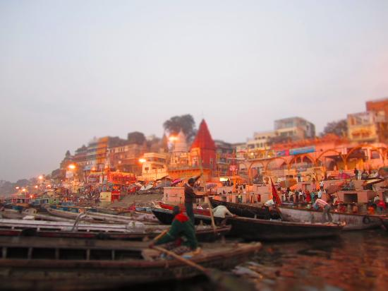 Aashray : Early morning boat ride on the Ganges