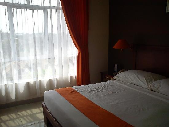 Comfort Hotel & Resort Tanjung Pinang: the bed