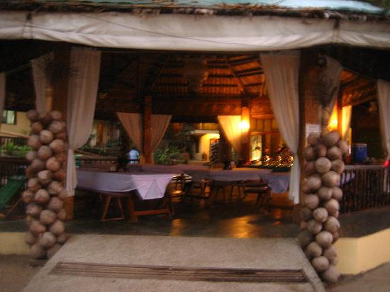 La Luz Beach Resort: eating area