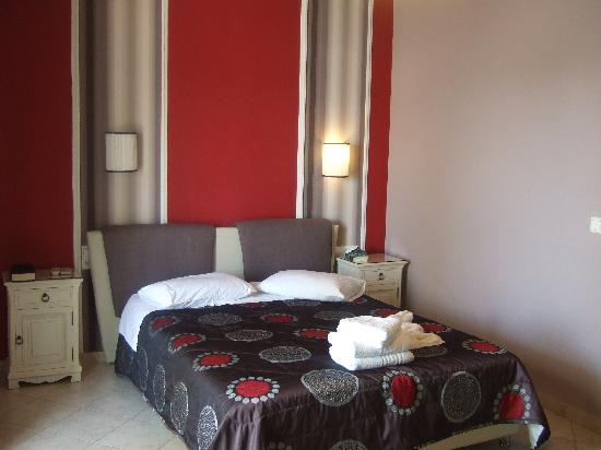 ليانا هوتل: the largest bedroom