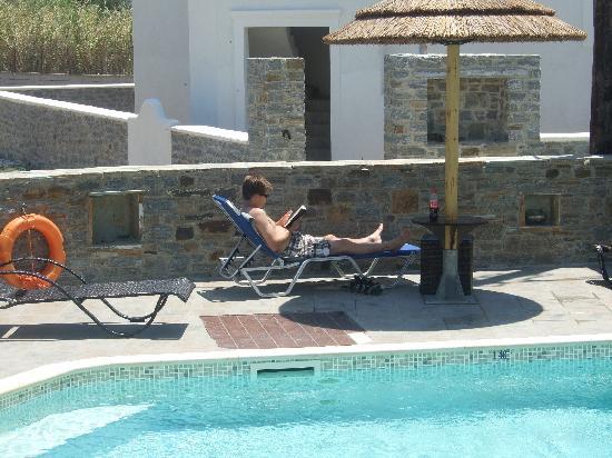 Liana Hotel: view over the poolarea