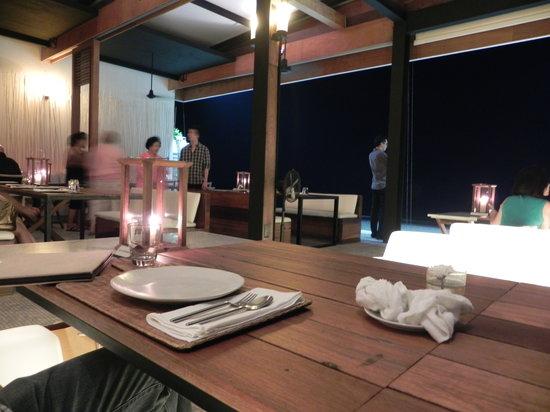 Oceanside Beach Club & Restaurant: Dining Area