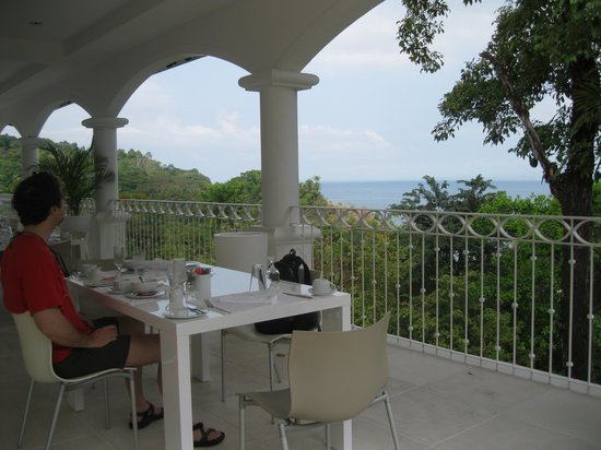 Shana By The Beach, Hotel Residence & Spa: Breakfast area/lobby