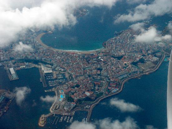 La Coruña, Spagna: La ciudad desde el aire