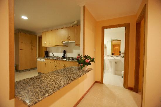 Apartamentos Val Do Naseiro: Cocina