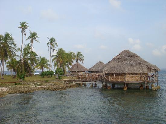 Yandup Island Lodge: Exterior de la cabaña