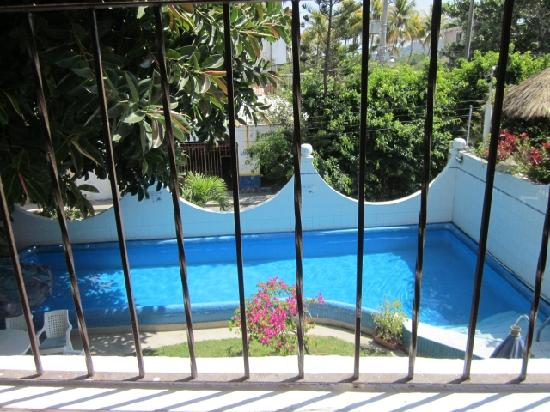Hotel Delfin: The heated pool