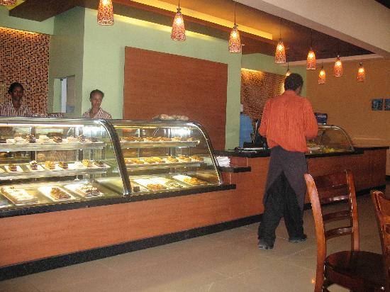 Raizel Cafe : The Counter at Raizel