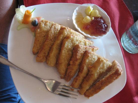 Raizel Cafe : Best french toast at Raizel!